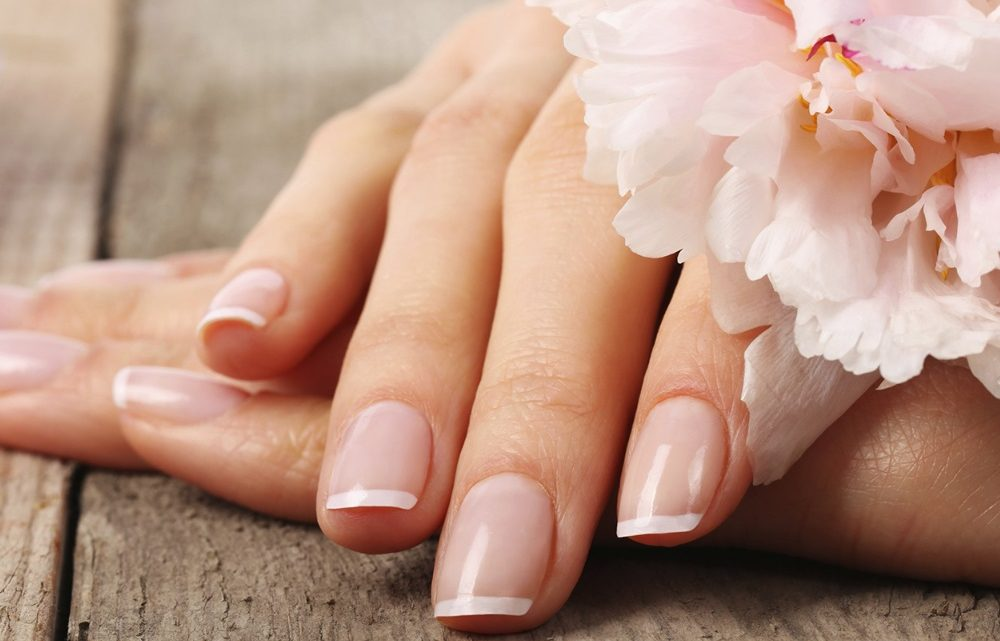 What Are Solar Nails and their Benefits